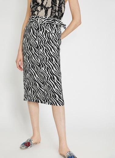 Koton Koton Zebra Desenli Kemer Detaylı Etek Siyah